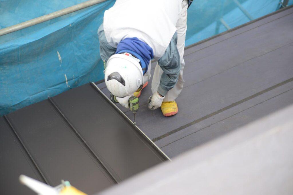 屋根にあった塗料を選び、きちんと塗ることで耐用年数も長くなり、安心して暮らせることにつながります画像